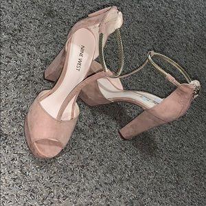 💕So sexy Nude Pink suede heels platform💕